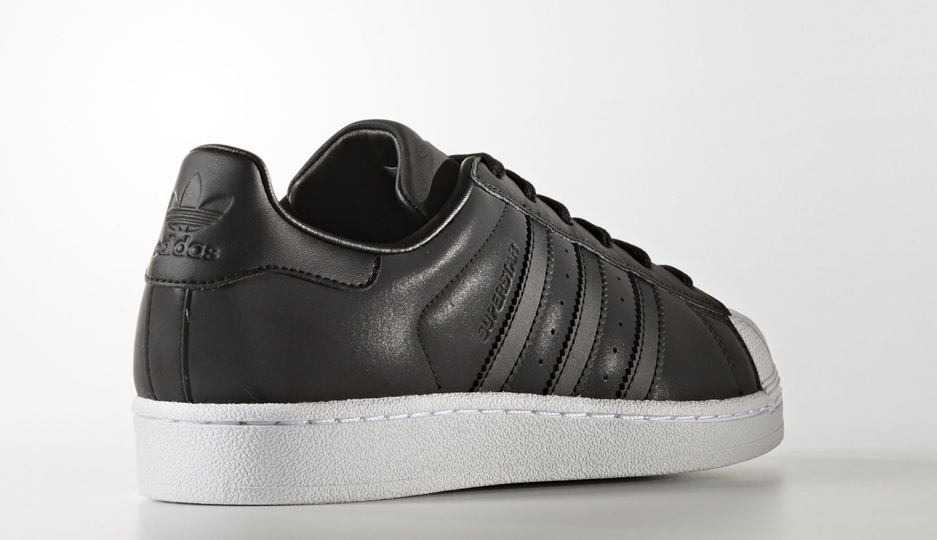 huge selection of 5603d 834eb adidas Superstar BY9176