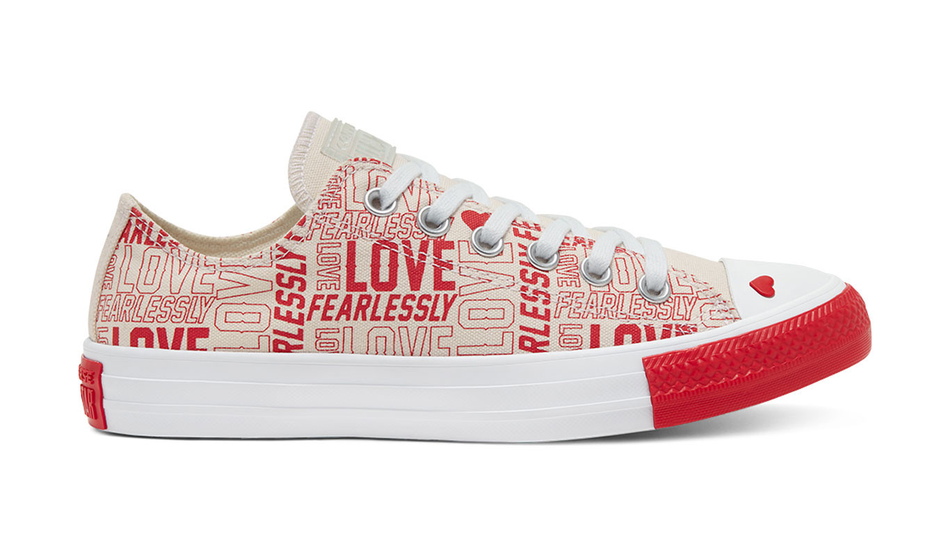 Converse Love Fearlessly Chuck Taylor