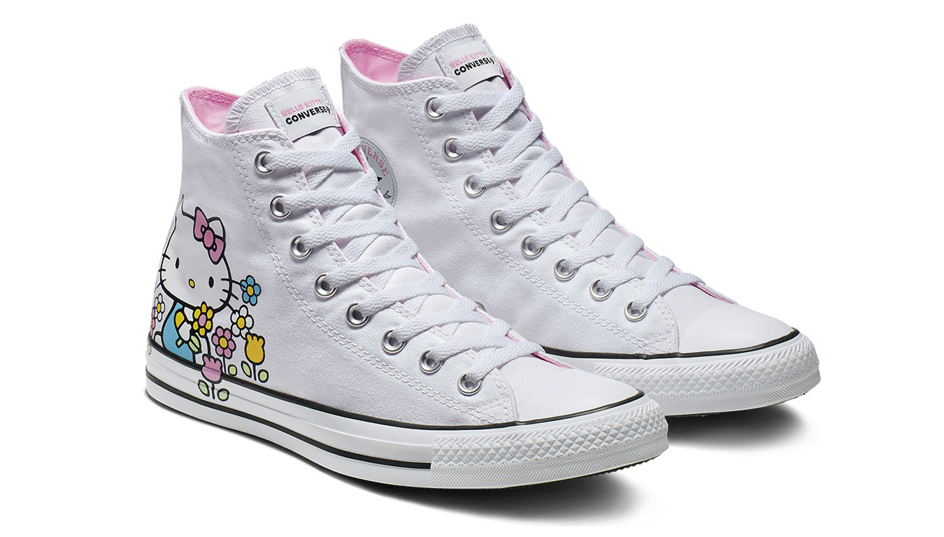 Converse Chuck Taylor x Hello Kitty pack